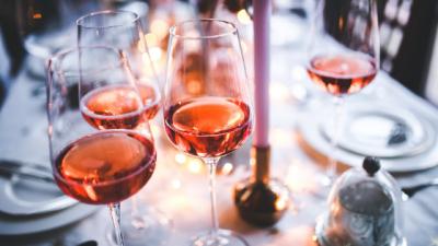 Hoe bewaart u rosé, rode en witte wijn het beste?