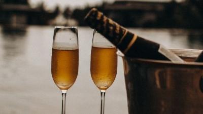 Is wijn gezonder dan bier?